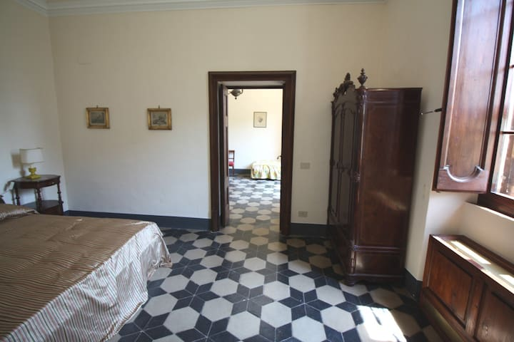 Cozy Room Holm Oak in ancient Villa - Offagna - Casa de campo