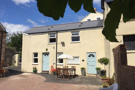 Private cottage with sea views Penarth centre - Penarth - 獨棟