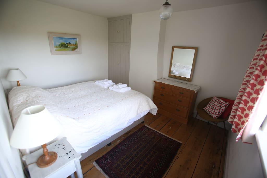 King or twin bedroom