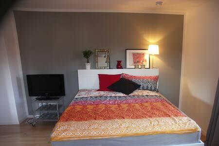 Hübsche kleine geschmackvolle Wohnung in Ismaning