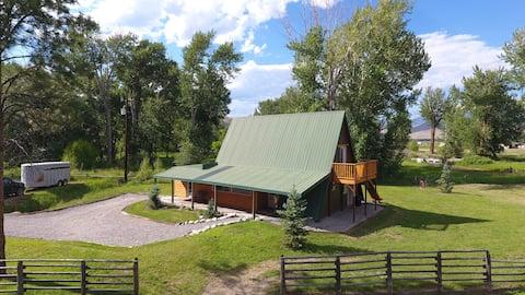 Creekside Cabin near Salmon Idaho