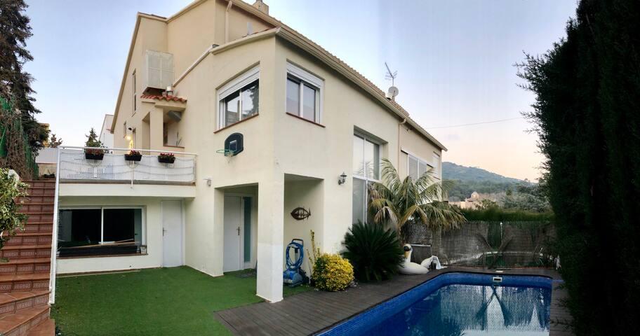 Casa con piscina a 20 minutos de Barcelona