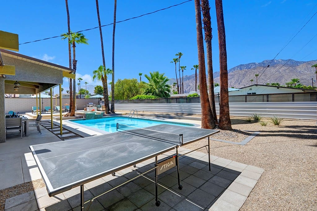PING PONG TABLE TO MOUNTAINS - ORANJ TWIST- PALM SPRINGS VACATION RENTAL POOL HOME