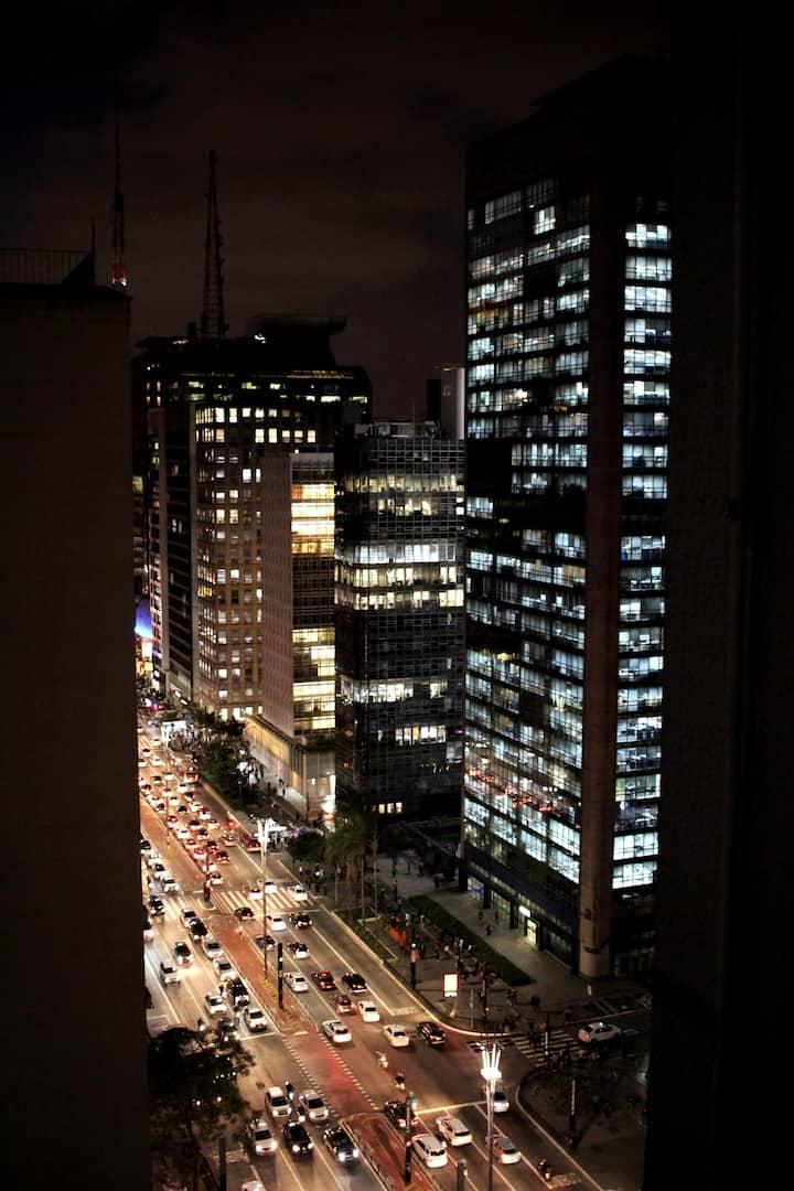 Studio na Paulista junto ao Masp, Metrô e Trianon
