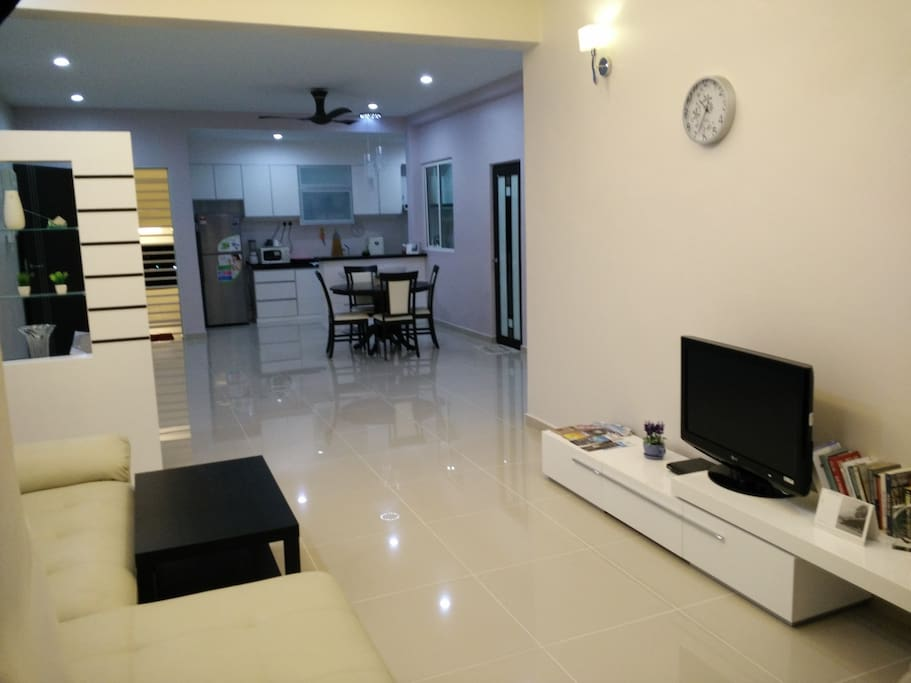 Fully furnished condo with high speed internet access(fiber optic 30Mpbs)