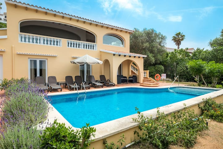 Elegant villa with pool and sea views - Villa Las Palmeras