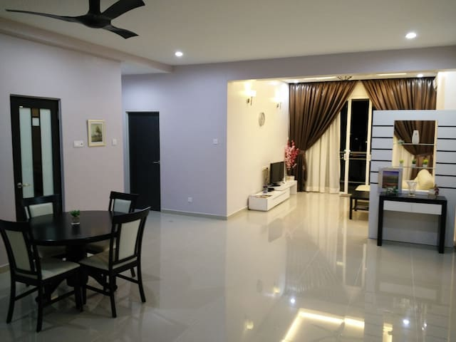 Acorn Home....A Home Away From Home - Air Itam - Appartement