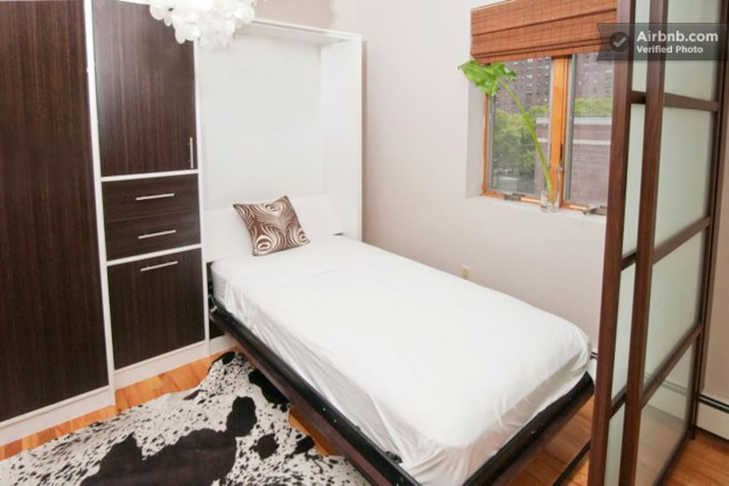 Zen Suite with twin size bed with pillow top mattress