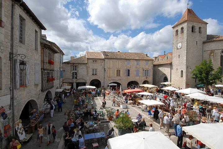 Exquisite views, Pool, Vineyards - Montaigu-de-Quercy - Casa