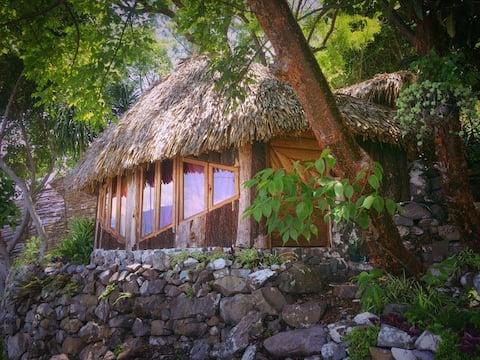 Cozy Lakeside Cabin