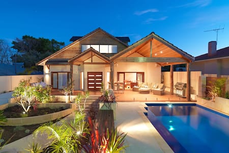 Stunning house by the beach - North Beach - Haus
