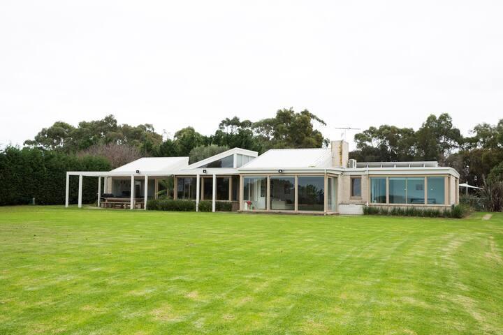 Shoreham/Red Hill beach house farm