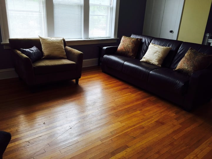 Lovely furnished 2BR apartment, 2F