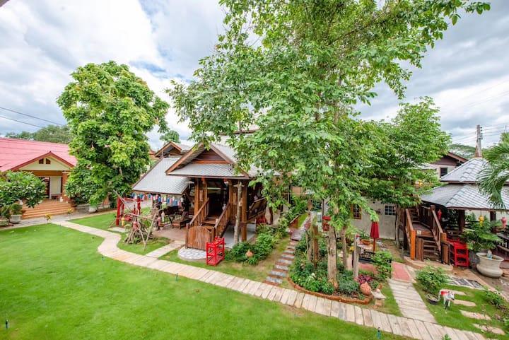 HEYUAN 201 — Thai Wood Villa with Garden& Pool