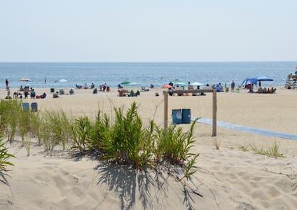 IDEAL BEACH APARTMENT - 1st Bch Blk - Ocean Grove