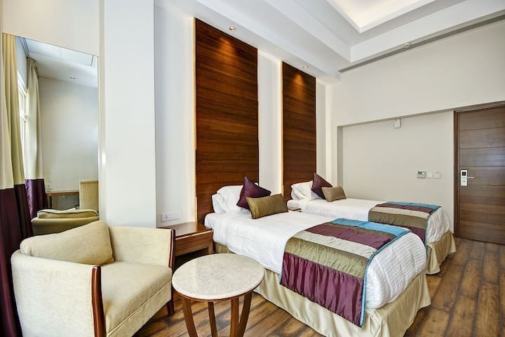 Premium Twin-Bed Room Located in Central Delhi! - Нью-Дели