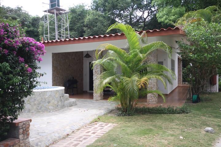 Casa con acceso privado a la playa de santa clara