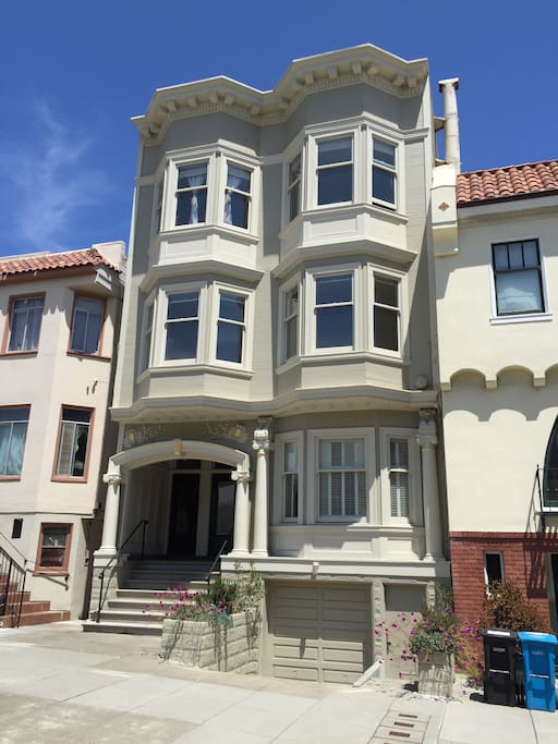 Classic 1909 Edwardian penthouse in a 3-unit building