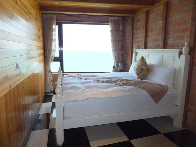 公主床,房内可以观日出,可以看海
