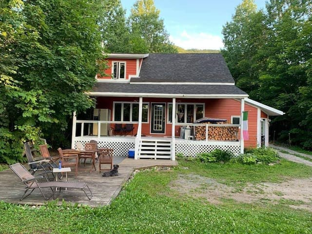 Humber Valley Sis' Place on the Beach Chalet