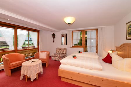 Gästehaus Thaler, Mittelberg-Kleinwalsertal - Mittelberg - Bed & Breakfast