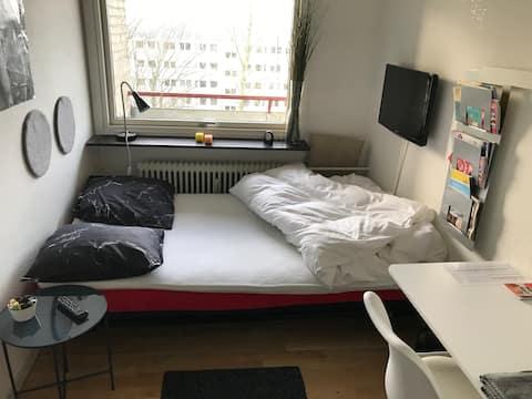 2 værelser med dobbeltsenge 1 km fra centrum