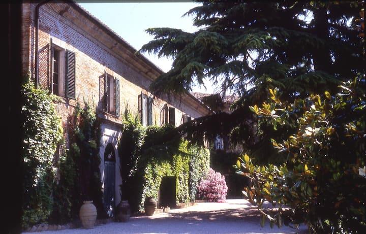Apart inside Ancient Villa Offagna