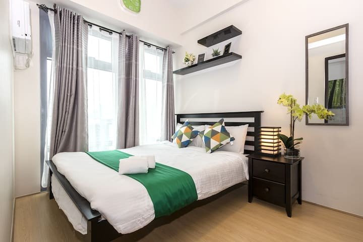 Brand New & Comfortable 1BR in BGC w/ WiFi(B3)