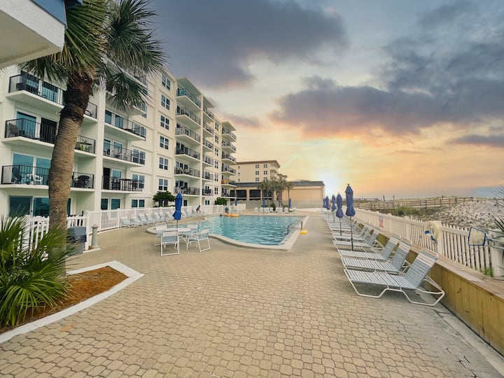 Family Perfect Beach Condo with 2021 Upgrades