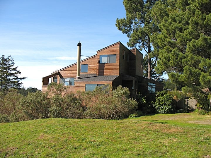 """BREAKAWAY""  OCEAN VISTA CABIN AT SEA RANCH"