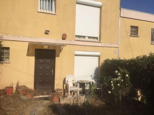Maison à Aubagne  100 m2 a 15 minutes de cassis