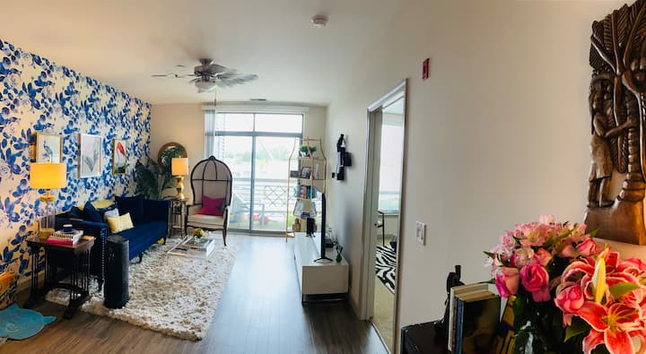 Luxury 1BR Apartment in Downtown Bethesda