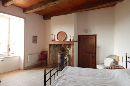 spacious historical 2p apartment - Cordes-sur-Ciel