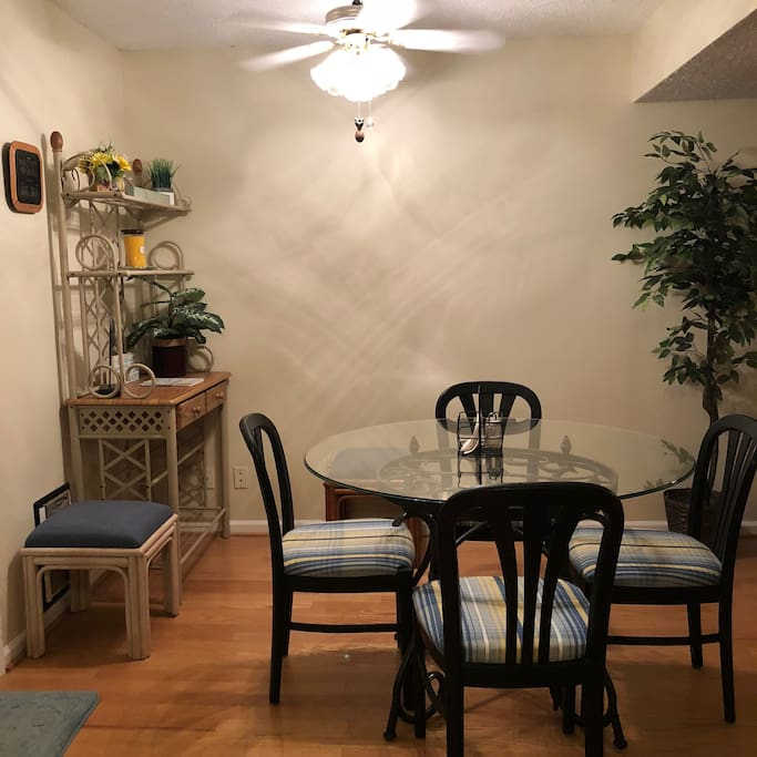 2nd level dining room