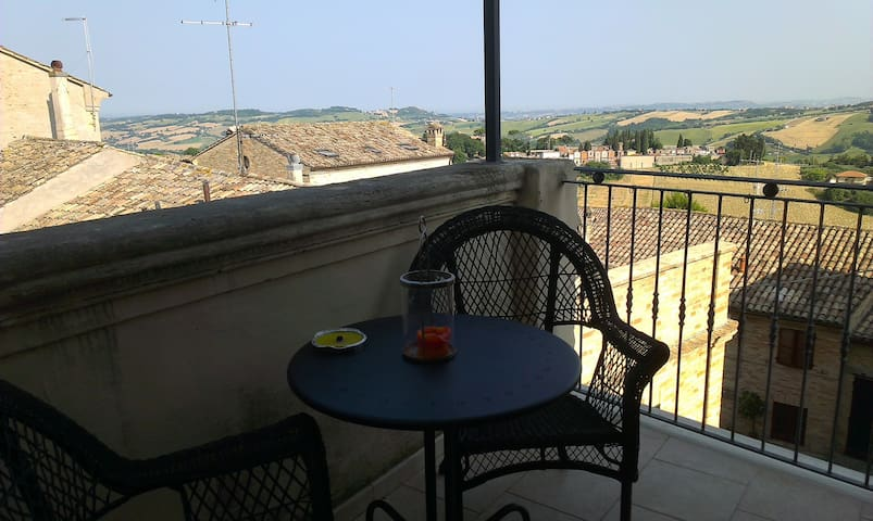 Cozy apartment with view - Montelupone - Daire