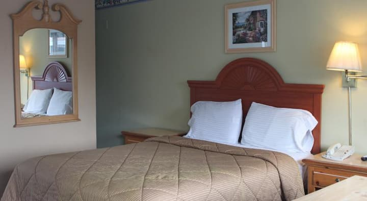 Comfortable Queen Bed