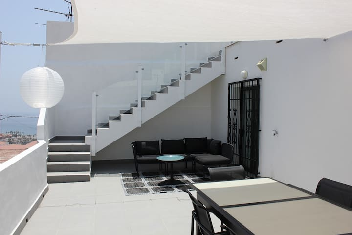 Modern townhouse in the old town - Salobreña - House