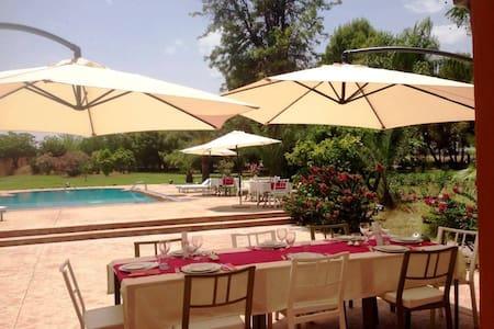La Vie en Rose - Chambre 4 pers b&b Ferme d'hôtes - Marrakesh