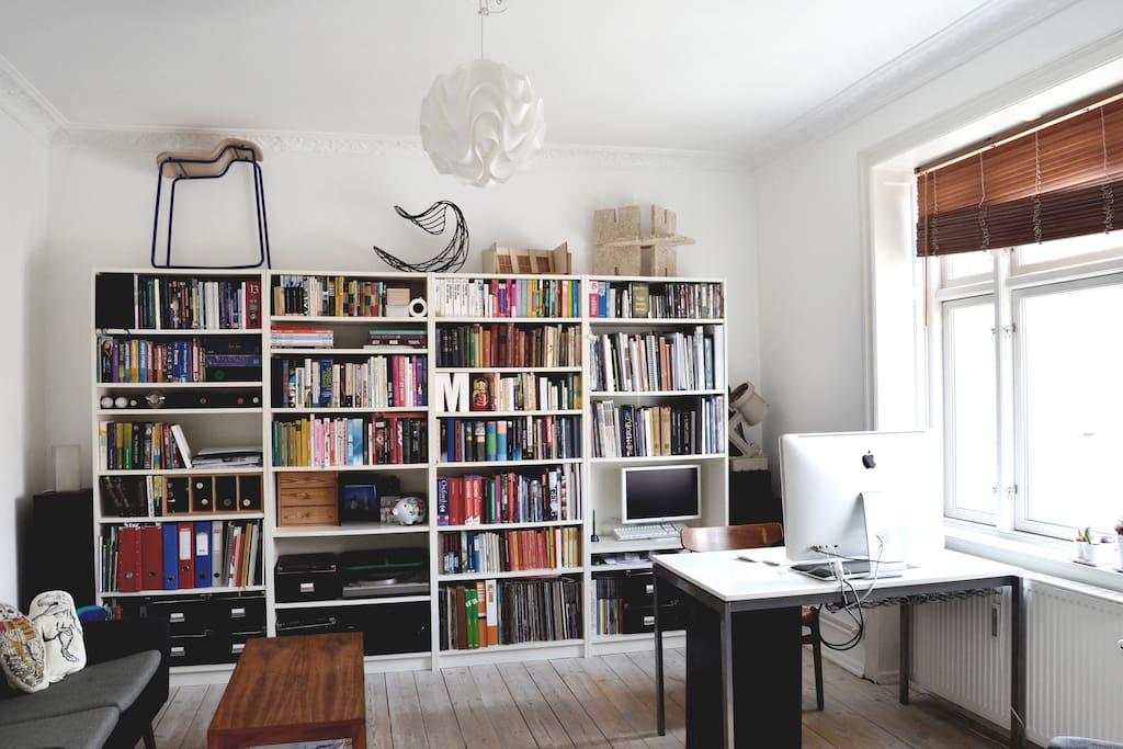 Living room/workspace