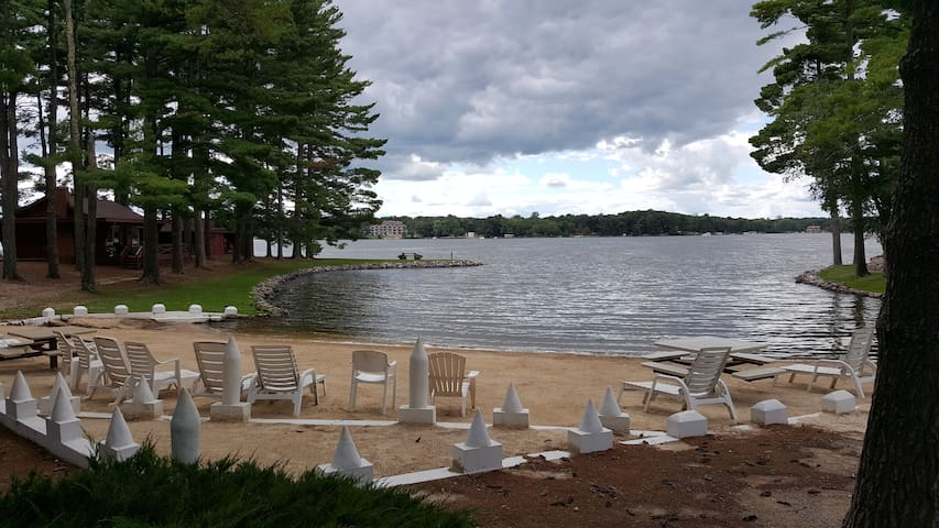 Wisconsin Dells Condo on Lake Delton/ Water Views