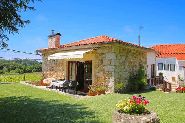 Casa 2 quartos, com jardim em Caminha perto praia