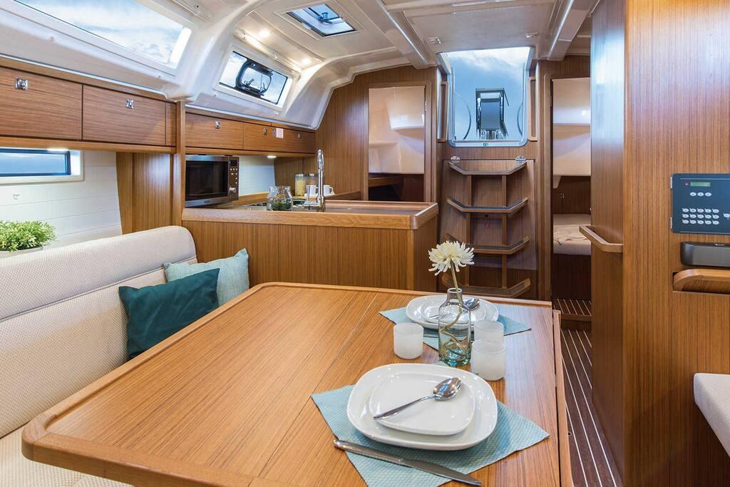 Imbarcazione a vela 11 mt cabina di poppa dx barche in for Affitto di cabina vicino a montreal
