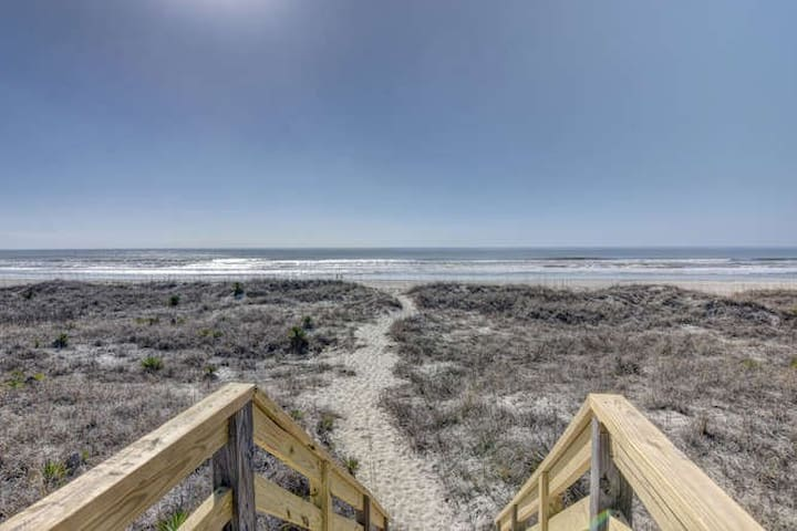 Greet the Dolphins at Our Serene Ocean View Condo - Holden Beach - Kondominium