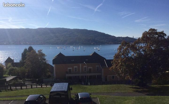 T3 neuf et climatisé vue panoramique lac d'Annecy