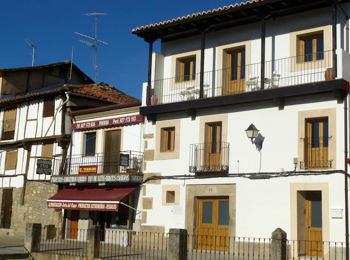 Apartment historical village Cuacos de Yuste 1-6p