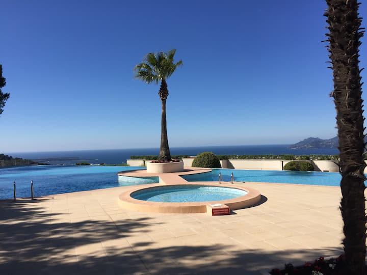appartement avec terrasse +piscine
