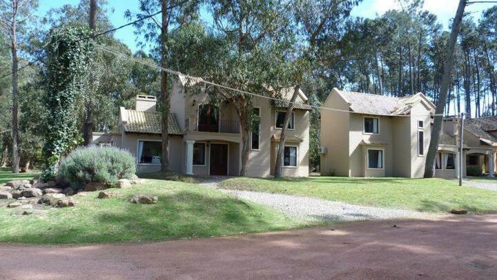 Exclusiva Casa en Solanas Punta del Este