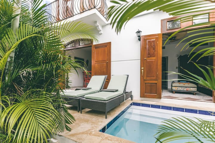 Sea La Vie | Luxurious moroccan inspired villa with private plunge pool