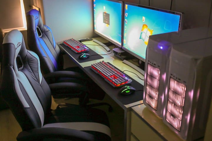 (Game room) 고사양pc와 라면이 공존하는 즐거운 게임룸!
