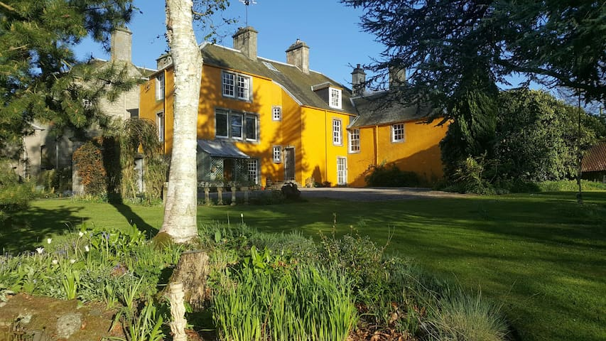 Old Lathrisk, B&B in a mindful country house. - Falkland - Pousada